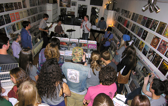 04_RSD_2014_instore_at_wild_honey_records_knoxville