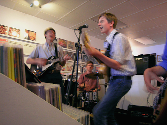 06_RSD_2014_instore_at_wild_honey_records_knoxville